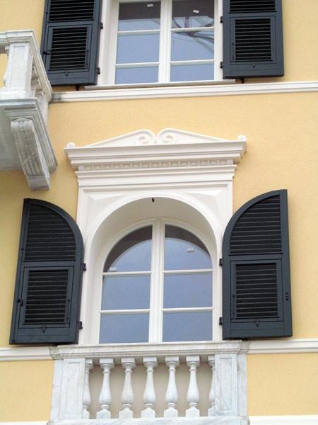 Cornici in polistirolo finestre modena reggio emilia for Cornici decorative polistirolo