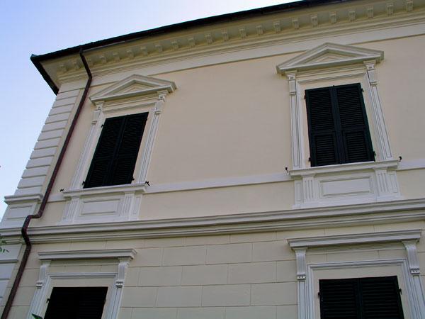 Marcapiani cornicioni in polistirolo modena reggio emilia produzione installazione - Cornici per finestre esterne prezzi ...