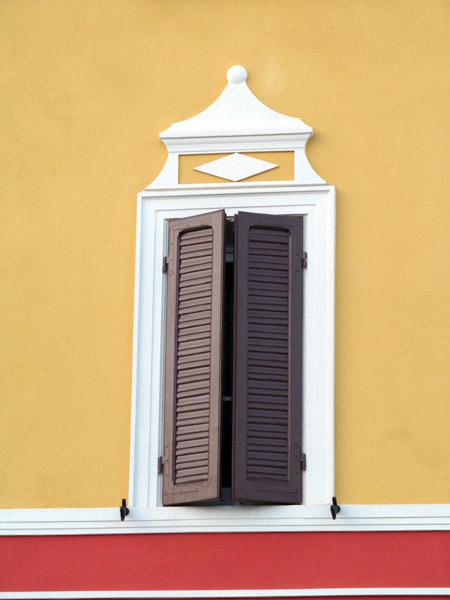 produzione-cornici-per-finestre-milano